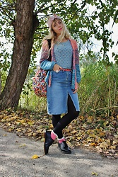 Elisa Bochicchio - Primark Headband, Vans Backpack, Primark Belt, Calzedonia Tights, Pimkie Socks, Dr. Martens Shoes - Pastel autumn
