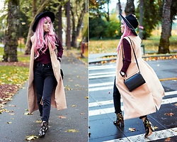 Aika Y - Forever 21 Black Fedora, Who What Wear Burgundy Ribbed Turtleneck Sweater, Asos High Waisted Mom Jeans, Justfab Sleeveless Trench Vest, Forever 21 Metal Bar Crossbody Bag, Ego Flower Printed Booties - Fall Uniform: Turtle Neck & Trench Vest