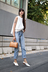 Paz Halabi Rodriguez - Vipme White Top, Levis Vintage 501, Vintage Bag, Zara White Mules - Something that never fails