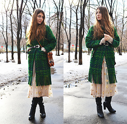 Alexandra M. - Gamiss Green Fringed Coat, Gamiss Sequined Tulle Skirt, Zaful Buckle Belt - Holiday mood