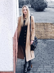 Laura Simon - Topshop Camel Coat, Topshop Black Skirt, H&M Black Top, Topshop Black Gold Bag, Jeffrey Campbell Shoes Black Jeffreys - Camel Coat & Jeffreys