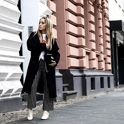 Fashiontwinstinct - Zara Maxi Coat, Zara Boots, Gucci Bag - Maxi Coat & Flared Pants.