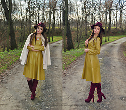 Natalia Uliasz - Choies Hat, Leather Dress, Mohito Coat, Pantofelek24.Pl Deep Red Boots - Leather dress Gamiss.com