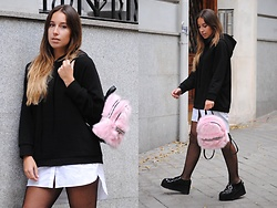 Claudia Villanueva - Zara Sweater Dress, Stradivarius Bagpack, Jeffrey Campbell Shoes - It´s so fluffy I´m gonna die