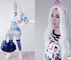Hanna From HOLLAND - Hello Kitty Bag, Made By Me Skirt, Army Girl Shirt, My New Instagram - Queen of white hair
