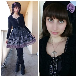 Yumi E.G. - Axes Femme Flowers Dress, Axes Femme Boots - Violet flowers
