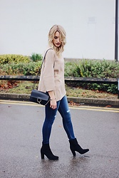 Charlotte Buttrick Lewis - Jordache Skinny Jeans, Asos Batwing Jumper, Daniel Footwear Suede Ankle Boots - Skinny Jeans For All body Types