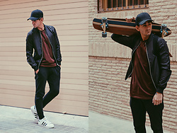 Jose Manuel Hernández - Asos Long Shirt, Zara Black Baggy, Zara Black Bomber, Adidas Superstar Sneakers, Asos Black Cap - ON THE ROAD