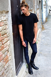 Richy Koll - H&M Boots, Cheap Monday Skinny Jeans, Vans T Shirt - Cute, but psycho!