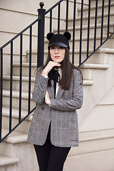 Carolina Pinglo - H&M Hat, H&M Coat - Pom Pom hat