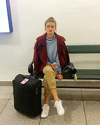 Lisa - Mango Sweater, Springfield Chinos, Chanel Bag, Sheinside Coat - Airport Style