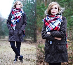Karolina N. - New Look Parka, Bershka Pants, Boots - EXPLORING THE FOREST