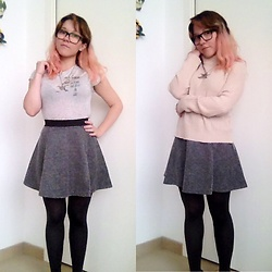 Taya Tuk - H&M Aliens Believe In Us, H&M Sweater, H&M Skirt, Tezenis Pantyhose - 161203