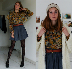 Laurielle Haze - Zara Yellow Floral Blouse - Don't Stand So Close To Me ♫