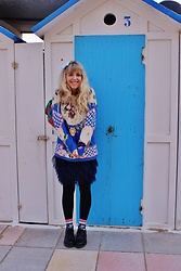 Elisa Bochicchio - Pimkie Skirt, Calzedonia Tights, Dr. Martens Shoes - Ugly sweaters make me happy