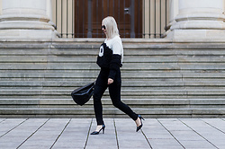 Leonie // www.noanoir.com - Lala Berlin Big Knitted Sweater, Weekday Black High Waisted Skinny Denim Jeans, Cos Black Leather Bucket Bag, Zign Pointed High Heels, Ace & Tate Black Round Sunglasses - Cozy Much