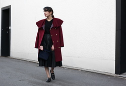 Samia Liamani - Smk   Sandra Meynier Kang Ruffled Winter Coat, Contact Me : ) Leather Pleated Skirt, Smk Luxe Lunchbag - DEEP ROUGE