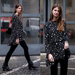 Jacky - Pimkie Dress, Noisy May Jeans, Aldo Boots - Dress in Star Print