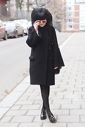 Panda . - Ivyrevel Sunglasses, Acne Studios Coat, Vagabond Shoes - ACNE COAT