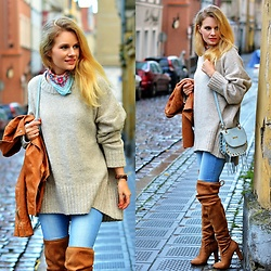 Kamila Libelula - Zara Sweater, Promod Scarf, Daniel Wellington Watch, Renee Boots - Rainy Afternoon