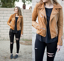 Emily S. - Lulu's Moto Jacket, Aeo Top, Aeo Leggings, Matisse Ankle Booties - Jacket Weather