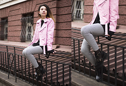 Wonderstyle - Zara Milky Pink, H&M Long Sweater, Asos Striped Pants, Tendenz Black Boots - Hidden Places