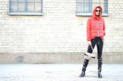 Isabella Pozzi - Rosewholesale Red Padded Jacket - Rosewholesale Padded Red Jacket