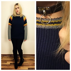 Elise Hanson - Deandri Mini O Ring Choker, Vintage Oversized Sweater, Lysée Leggings, Christian Sirano Boots - My Friend Goo