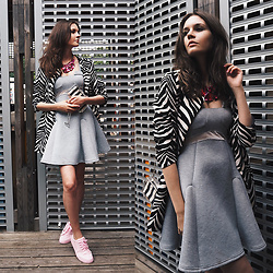 Anna Brain - Lightinthebox Sneakers, Dualshine Necklace - GREY DRESS