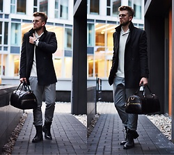 Lukasz Podlinski - Lancerto Coat, C&A Sweater, Zerouv Sunglasses - Winter time