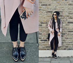 Clara Campelo - Shoes, Sunglasses, Coat, Choker, Bag, Iphone 7 Case - Oxford flatforms
