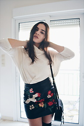 Isabella M. - Bershka Sweater, Stradivarius Embroidered Skirt, Pull&Bear Bag - Flowers'n'Birds