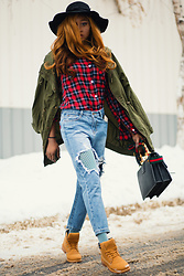Melody Jacob -  - HOW TO WEAR DISTRESSED BOYFRIEND JEANS THIS WINTER