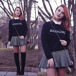 Carina Gonçalves - Chicme Sweatshirt, Frontrowshop Skirt, Lamoda Boots - I've got a hundred million reasons to walk away