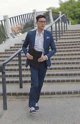 Topher Park - Asos Slim Suit In Blue, Barton Perreira Banks (48) Eyeglasses In Chestnut, Vlado Footwear Mid Top Leon Grey Twill - 파 란 색 | b l u e