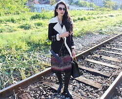 Jelena - Choies Shearling Jacket, Vintage Boho Dress, Zara Over The Knee Boots, Gucci Vintage Bag, Diane Von Furstenberg Sunglasses - Boho chic