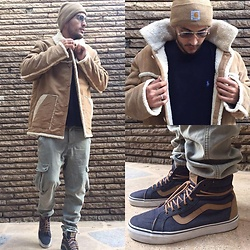Mohamed Samaras - Carhartt Beanie, Polo Ralph Lauren Cotton Crewneck Sweater Hunter Navy, H&M Cargo Pants, Vans Old Skool Sk8 Hi Reissue Denim C&L Navy, Asos Faux Shearling Overcoat In Camel, Ray Ban Vintage Aviator Ad - SHEEPSKIN
