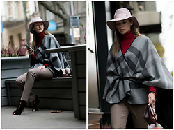 Anastasiia Masiutkina - Burberry Cape, Valentino Bag, Sartoria D'Ambrosio Trousers, Maison Michel Hat, Andre Maurice Turtleneck Sweater, Gianvito Rossi Shoes - London style on Kyiv street