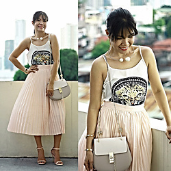 Jenniya Yah - Zaful Pleated Skirt, Zaful Pearl Pendant Necklace, Shein Crossbody Bag - Peachy