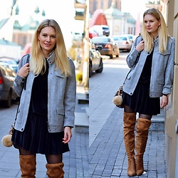 Kamila Libelula - Jacket, Libelula Shop Dress, Renee Boots, Daniel Wellington Watch - Grey Wool Jacket