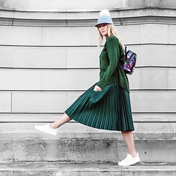 Mad Cat Fashion P. - Sheinside Embroidered Backpack, Zara Pleated Green Skirt, Zara Green Jumper, Tk Maxx Hat With Pompom, H&M White Sneakers - MyLook #116