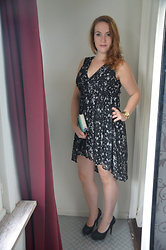 Sarah M - H&M Dress, Primark Clutch, Michael Kors Watch, Jumex Pumps - Galaxy Dress