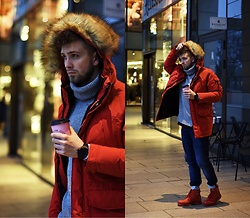 Lukasz Podlinski - Wrangler Coat, H&M Sweater, Diesel Watch, Cat Shoes - Hamburg