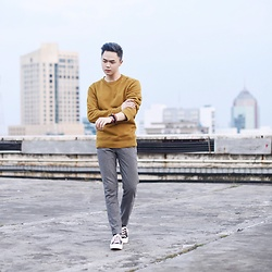 Andy Yanata - H&M Sweater, H&M Slim Formal Pants, Converse Sneakers - Rooftop