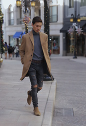 Topher Park - Banana Republic Wool Blend Topcoat In Came, Banana Republic Italian Merino Turtleneck In Dark Gray,, American Eagle Outfitters Brown Wide Leather Belt, H&M Skinny Ripped Black Jeans, Topman Brown Suede Chelsea Boots, - 가 을 | f a l l