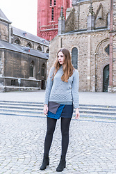 Andrea Funk / andysparkles.de - Smash Sweater, Smash Skirt - Grey sweater and denim skirt in Maastricht