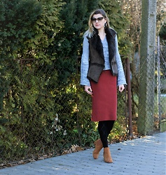Kamila Krawczyk - Shein Sweater, New Look Vest, Bonprix Skirt, Bonprix Boots, Lidl Poland Tights - Hello Winter