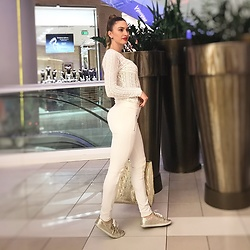 Imgoshka - İpekyol Lace Blouse White, Zara White Leggings, Guess Gold Sneakers, Michael Kors Gold Bag - Winter White