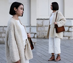 Esther L. - Vintage Wool Coat, Vintage Suede Bag, Chicme Thin White Sweater, Ovs White Culottes Pants, Zara Ankle Boots - The Wool Coat