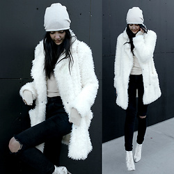Florencia R -  - The Teddy Coat